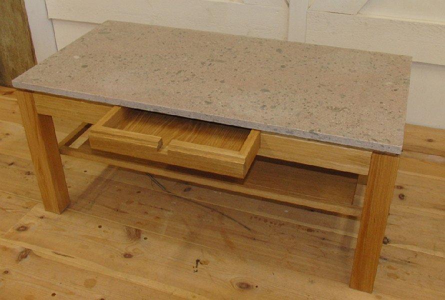 soffbord i ek och kalksten
